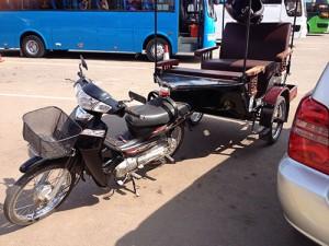 IMG_4783_guld_tuktuk