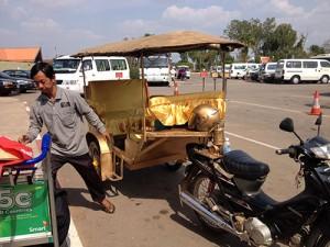 IMG_4784_guld_tuktuk